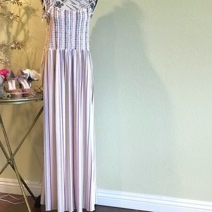 Dresses & Skirts - NWT tube style with tie up shoulders maxi sundress